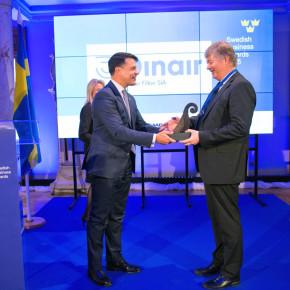 """KLOTIŅI SERĢIS klientam DINAIR FILTON pasniedz """"Zviedrijas Biznesa gada balvu 2015"""""""