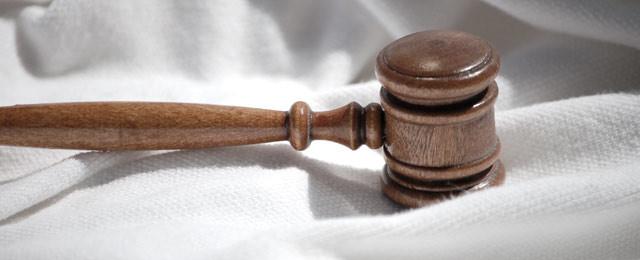Aizstāvība kriminālprocesos